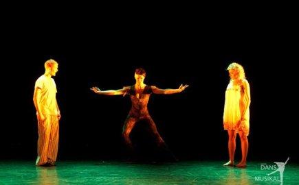 Dance - Nora (lead) in 'Bugs' at 'Nöjesteatern' in Malmö, 2009